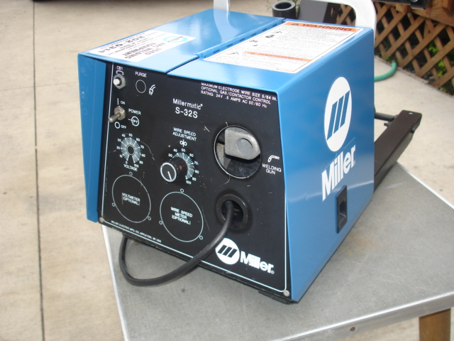 Miller Wire Feeder Manual   Miller S 32s Voltage Sensing Wire Feeder Bonus Parts Feeder